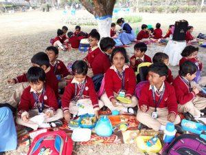 school-student-picnic